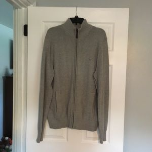 Gray Tommy Hilfiger sweater - Size XL
